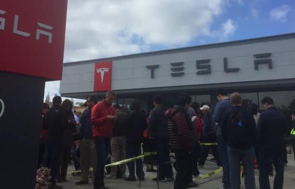 Tesla Motors Inc (TSLA) Store in Sunnyvale, CA