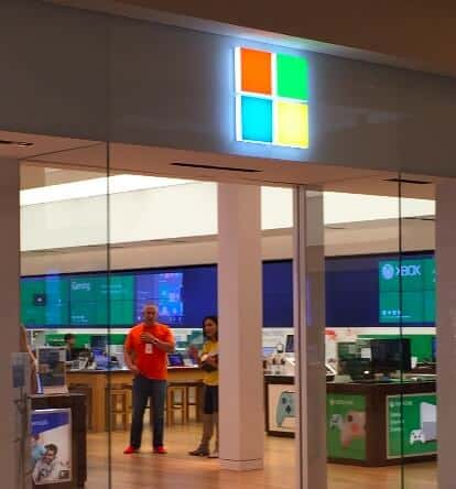 Microsoft Corporation (NASDAQ:MSFT) Store