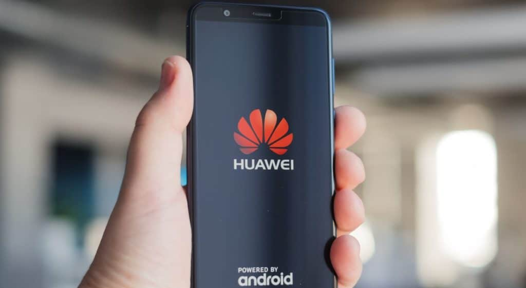 Huawei Phones Will Not Have Facebook App Pre-Installs Now