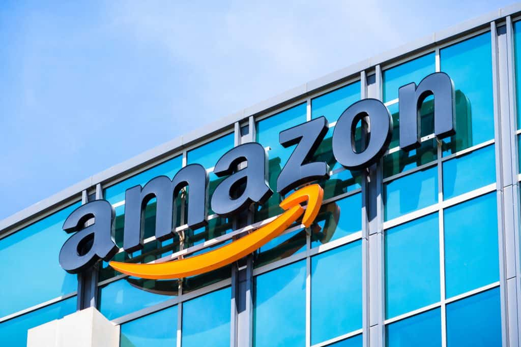 Amazon in Preliminary Talks to Buy 26% Stake in Reliance Retail