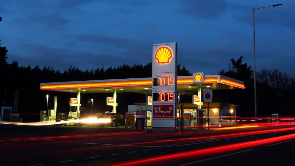 Royal Dutch Shell Plc Misses Targets, Global Slowdown in Gas and Chemicals to Blame