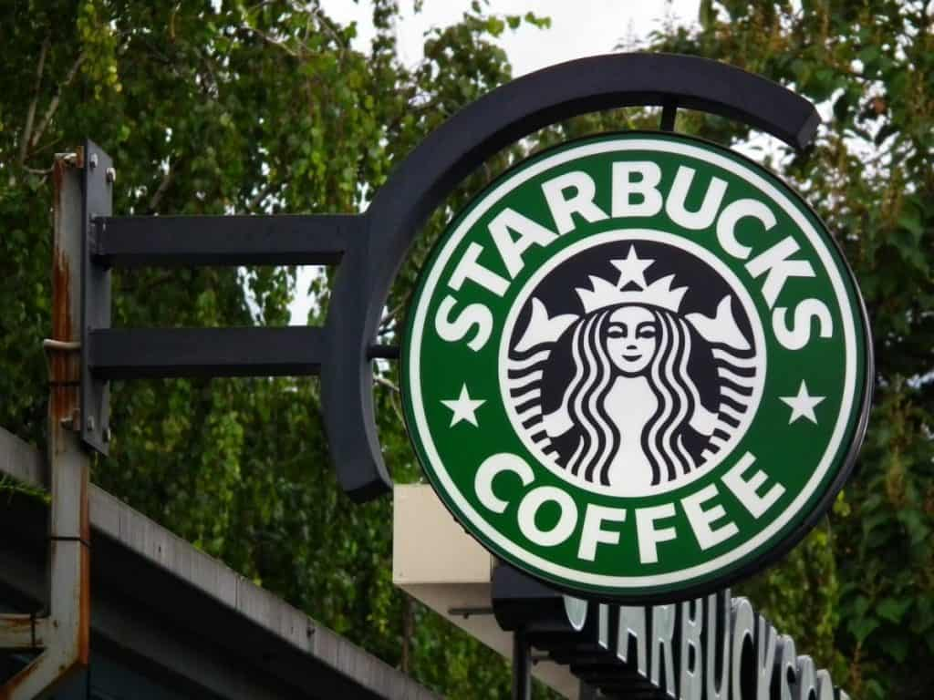 "Starbucks CEO Rubbishes Recession Talks, says ""We're Firing on All Cylinders"""