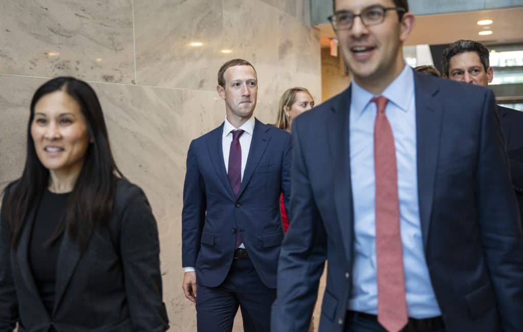Facebook (FB) CEO Mark Zuckerberg Meets Trump and Kushner in White House
