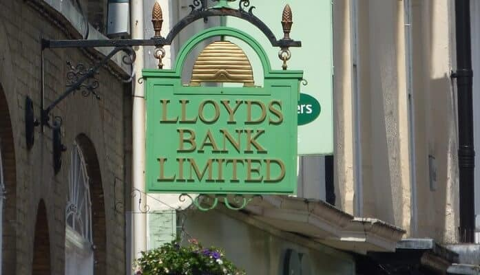 Lloyds Banking Group overdraft charges