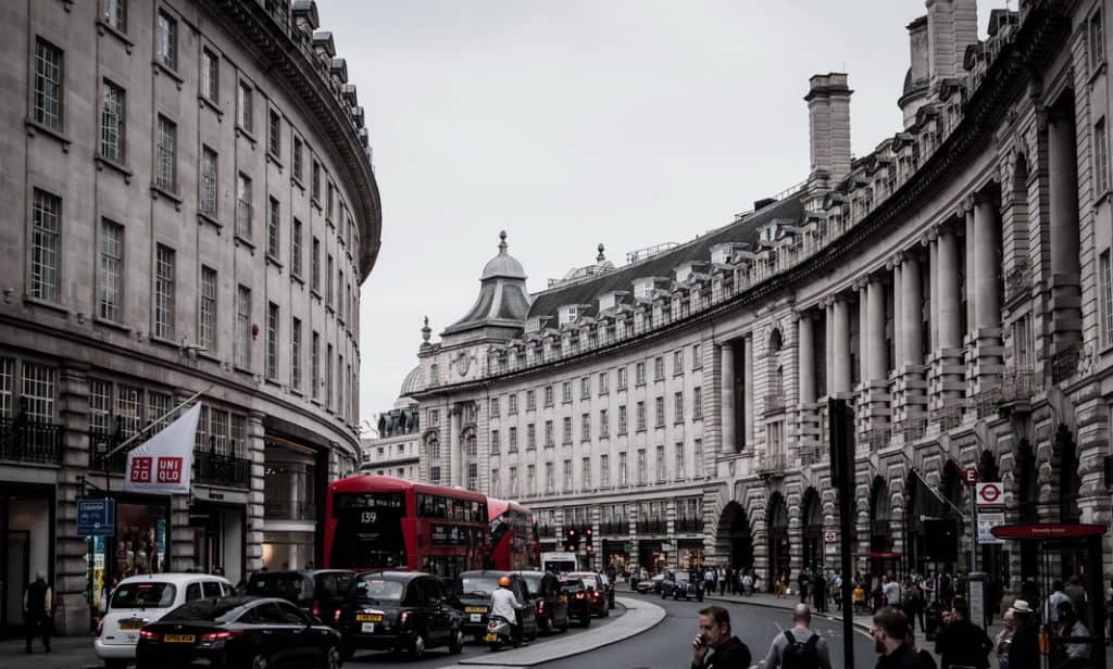 UK retirement savings-LearnBonds.com