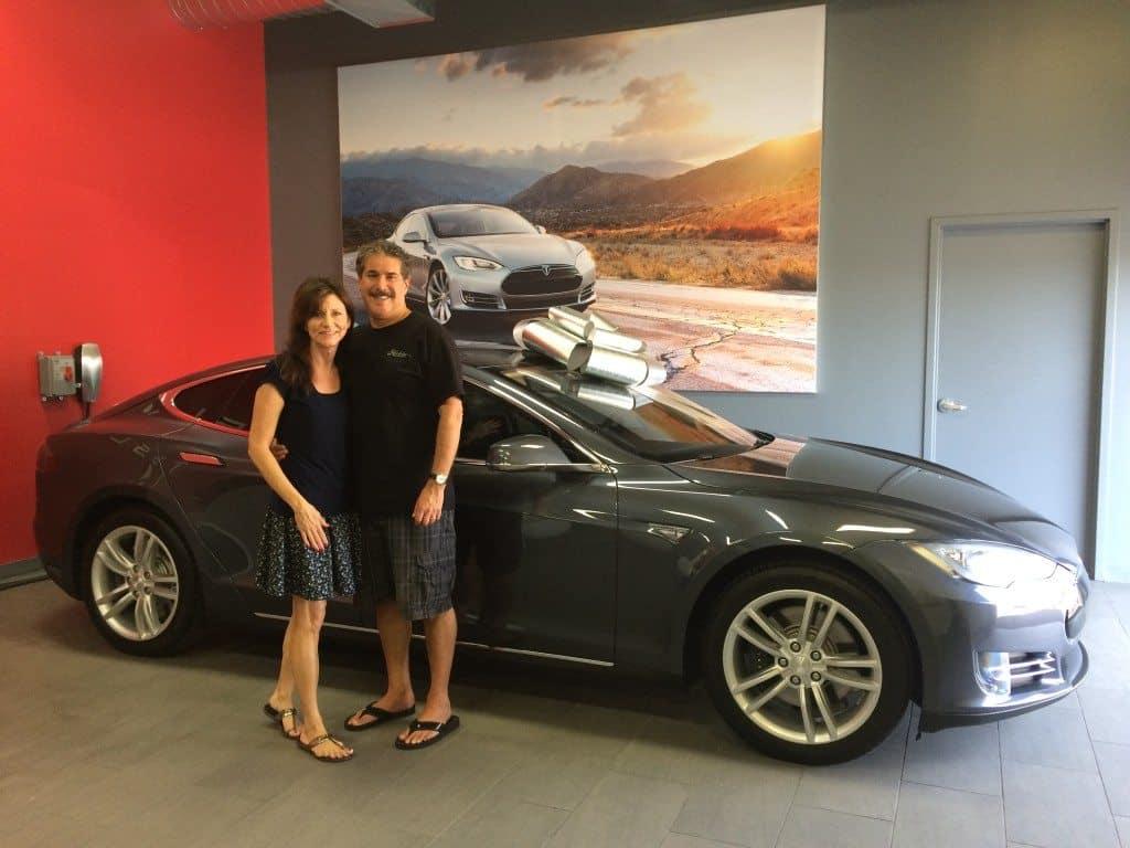 Pre Owned Tesla >> Tesla Motors Takes Loss On Good As New Certified Pre Owned Ev S